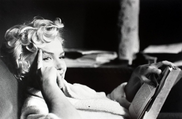 marilyn-monroe-reading-book-1